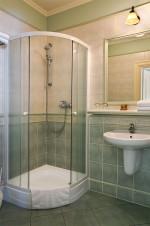 Pokój jednoosobowy, łazienka